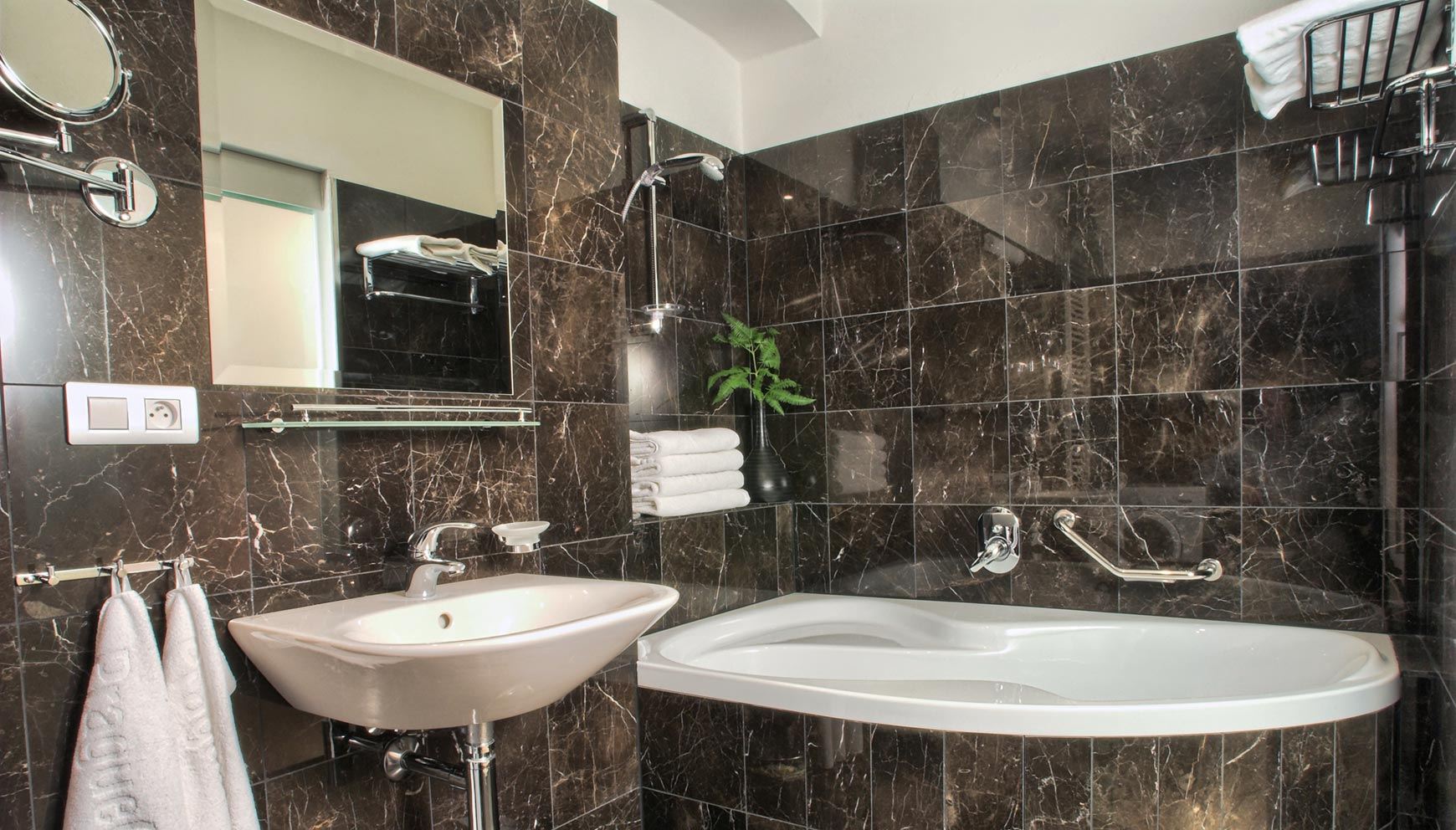 Bathroom in a one bedroom apartment type 2 in Residence Rybna